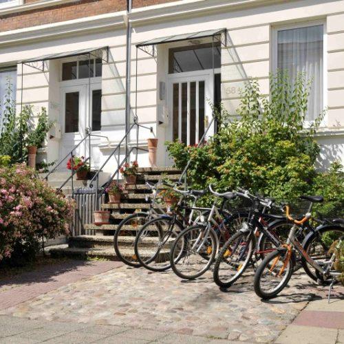 Fahrräder 2 - vor Huas